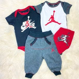 NIKE JORDAN BABY BOY 4 PIECE BUNDLE